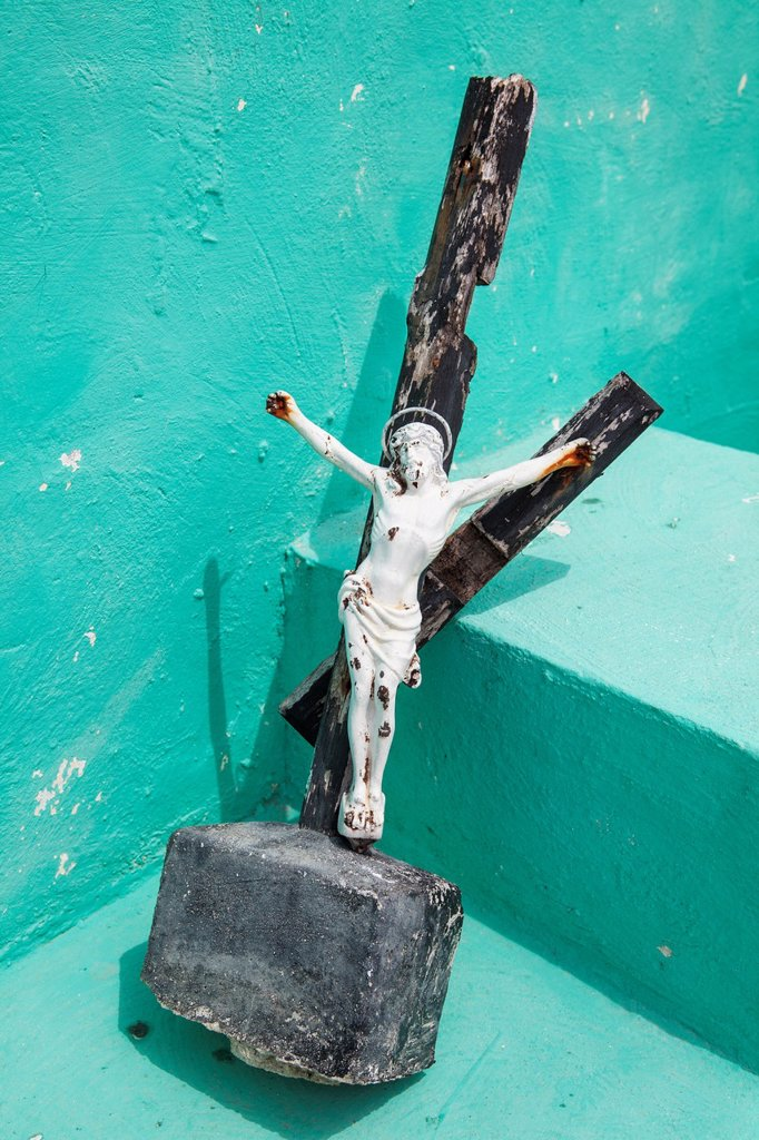 Crosses at mexican cemetery, Isla Mujeres, Yucatan Peninsula, Quintana Roo, Mexico : Stock Photo