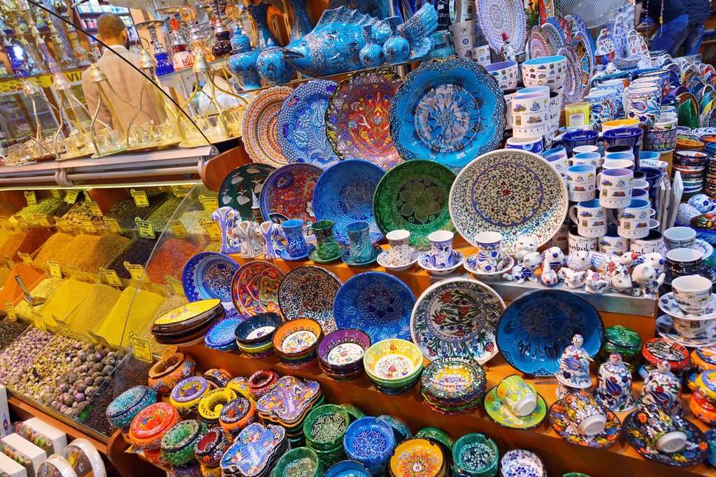 Stock Photo: 1566-1213485 Painted ceramic display in the Egyptian Bazaar Istanbul next to a spice shop