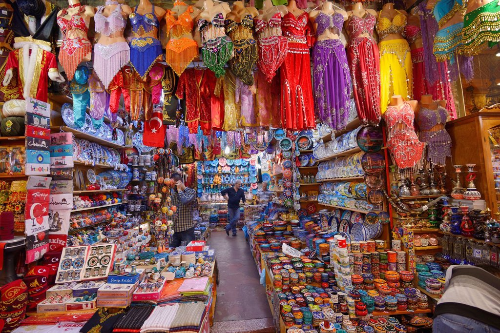 Shop in the Egyptian Spice Bazaar Istanbul with belly dancing costumes and ceramics : Stock Photo