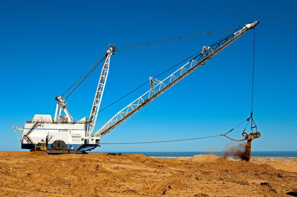 Stock Photo: 1566-1215650 Dragline excavator handling overburden at the De Beers diamond mine Kleinzee, Northern Cape province, South Africa