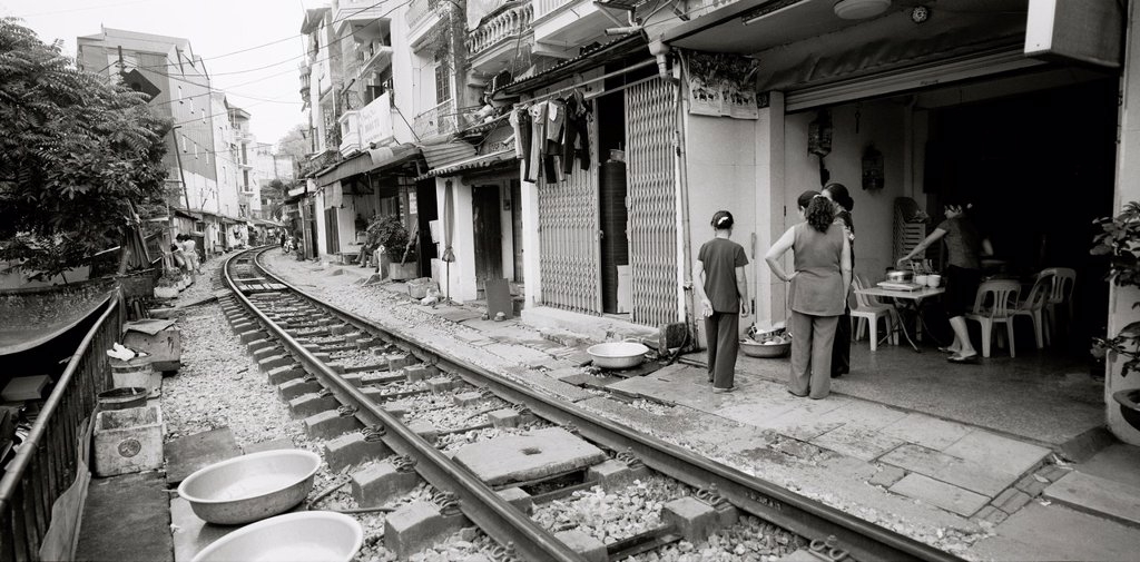 Stock Photo: 1566-1216843 Daily life by the train tracks in Hanoi in Vietnam