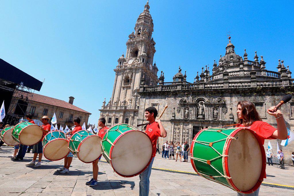 Stock Photo: 1566-1217218 Galician folklore, Feast day of Santiago, July 25, Catedral, Praza da Quintana, Santiago de Compostela, A Coruña province, Galicia, Spain