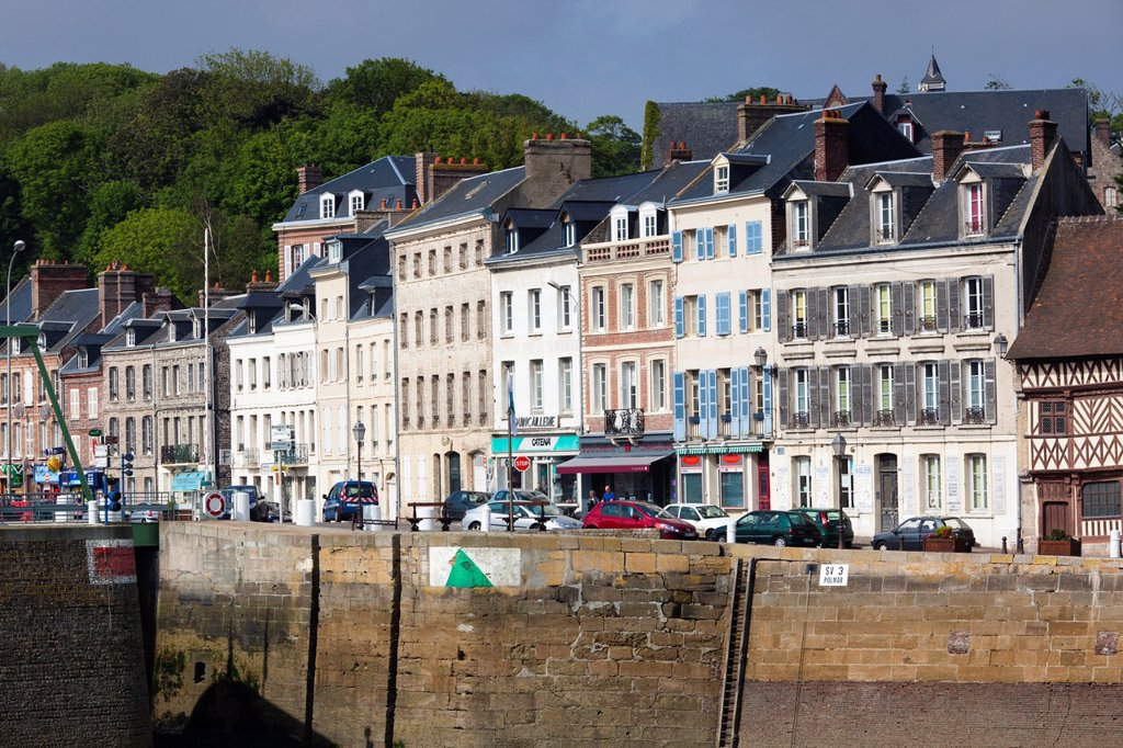 Stock Photo: 1566-1217538 France, Normandy Region, Seine-Maritime Department, St-Valery en Caux, port view
