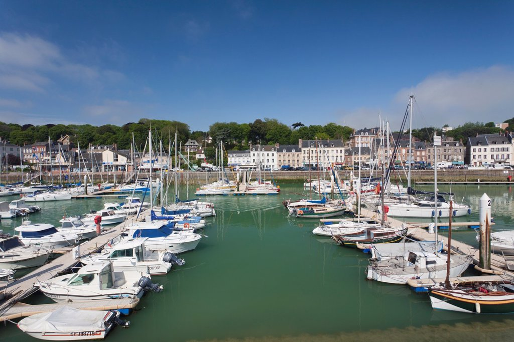 Stock Photo: 1566-1217545 France, Normandy Region, Seine-Maritime Department, St-Valery en Caux, port view