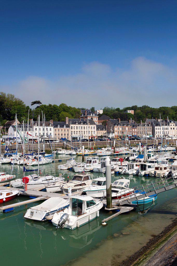 Stock Photo: 1566-1217547 France, Normandy Region, Seine-Maritime Department, St-Valery en Caux, port view