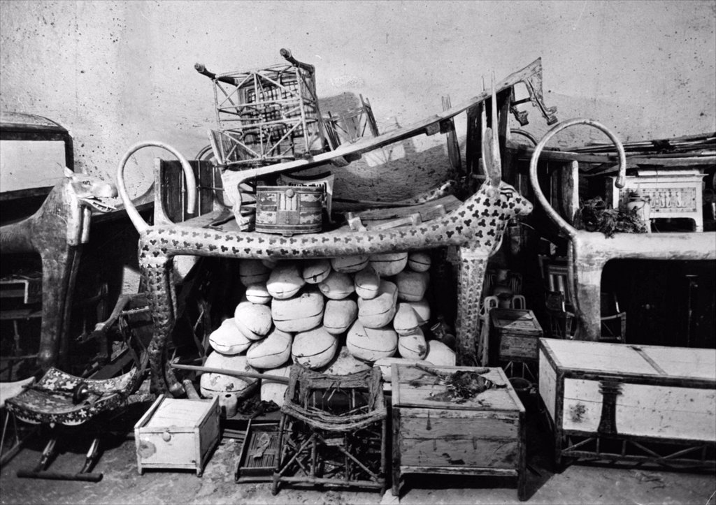 Tutankhamun´s Tomb in the Valley of the Kings Luxor, Egypt, it was discovered by Howard Carter in November 1922  The photograph shows objects in the antechamber of the Tomb  From the archives of Press Portrait Service - formerly Press Portrait Bureau : Stock Photo