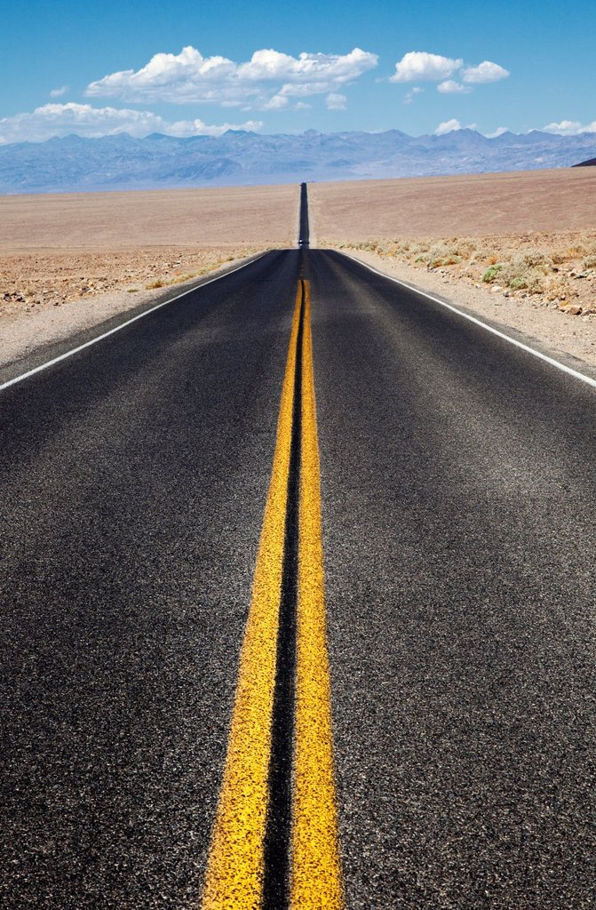 Stock Photo: 1566-1219108 Endless Road in Death Valley, USA
