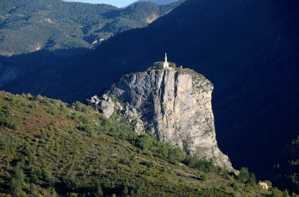 Rock of Castellane Verdon Gorge Alpes-de-Haute-Provence Provence France : Stock Photo