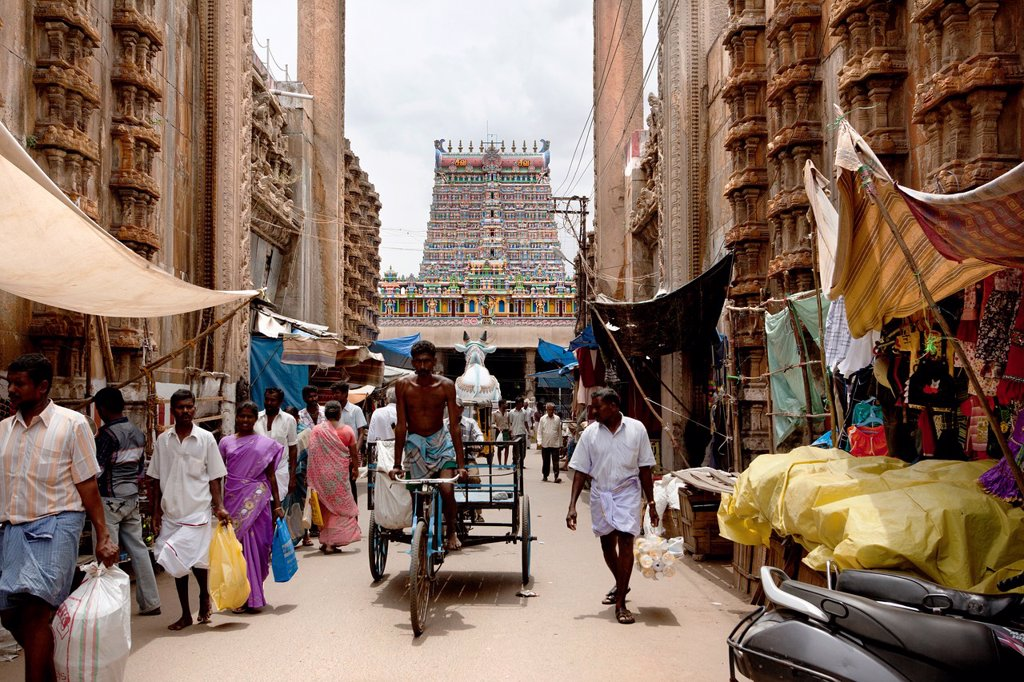 Madurai, India-September 11, 2012  A street in front of the the Sri Meenakshi Hindu Temple where many parishioners and pilgrims visit every : Stock Photo