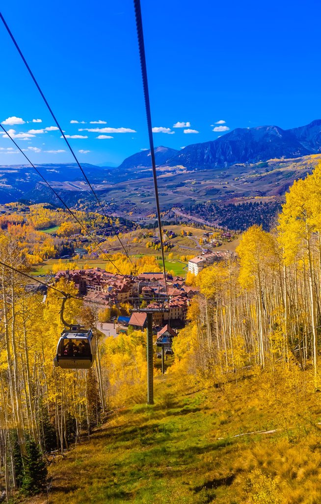 Stock Photo: 1566-1222679 Gondola from the town of Telluride to Telluride Mountain Village, Telluride, Colorado USA