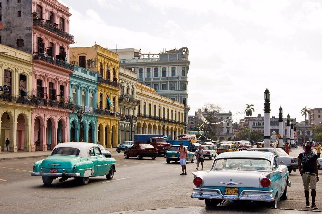 Stock Photo: 1566-1234945 Cuba, Havana, old american car