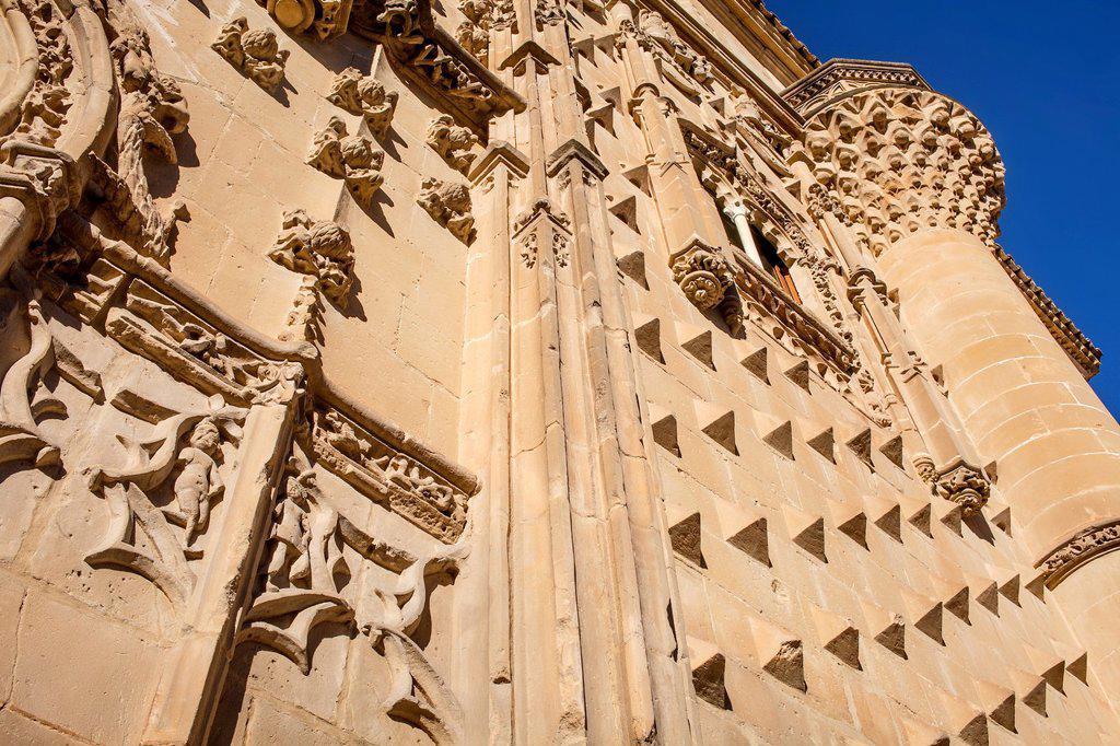 Facade detail, Palacio de Jabalquinto 16th century, Baeza  Jaén province, Andalusia, Spain : Stock Photo