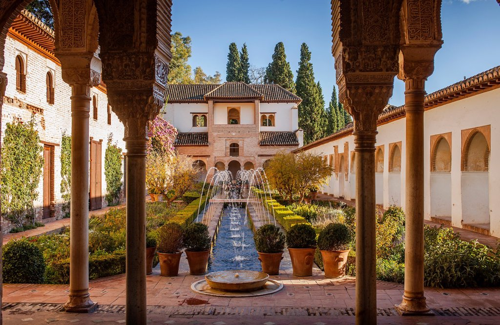 Patio de la Acequia courtyard of irrigation ditch  El Generalife  La Alhambra  Granada  Andalusia : Stock Photo