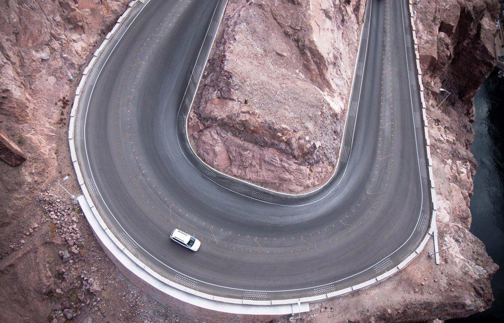 Curva junto a la Presa Hoover, Estados Unidos : Stock Photo