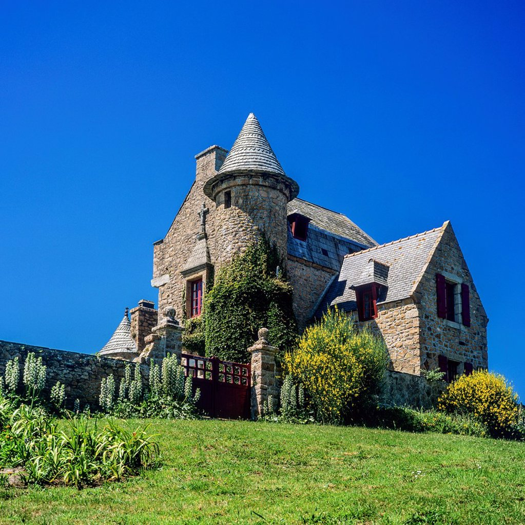 Stock Photo: 1566-1242972 Overlooking mansion ´Bréhat´ island Brittany France