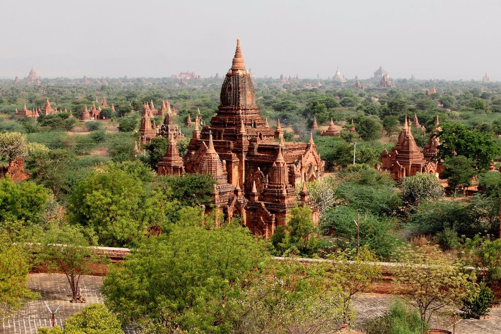 Stock Photo: 1566-1243674 Bagan, temples, general aerial view of pagoda in Bagan, Myanmar, Burma