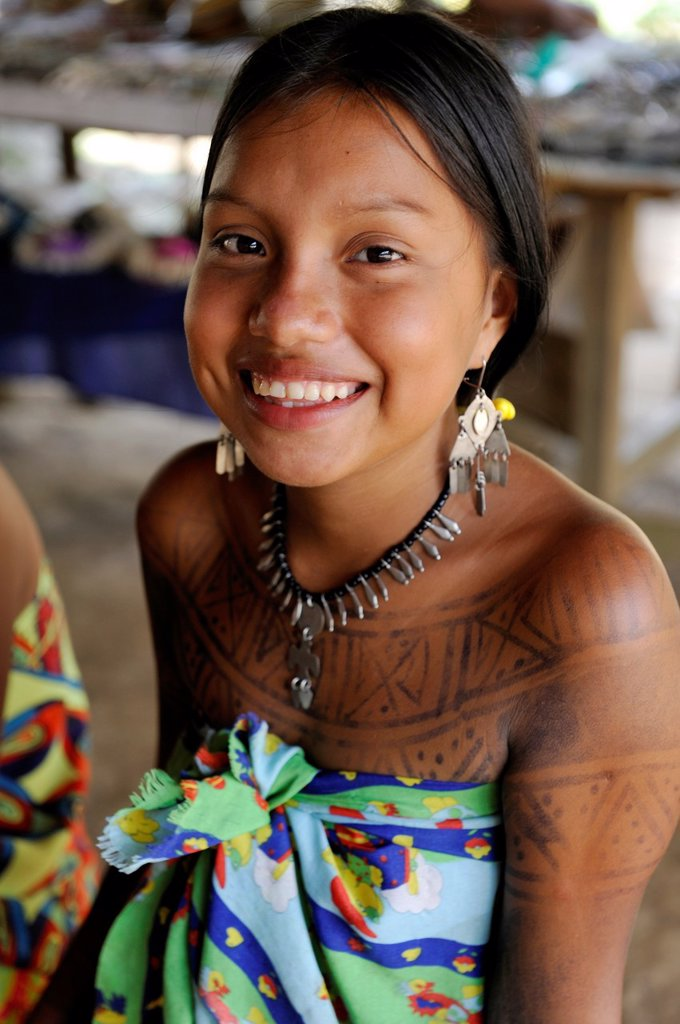 Esilda, young teenager of Embera native community living by the Chagres River within the Chagres National Park, Republic of Panama, Central America : Stock Photo