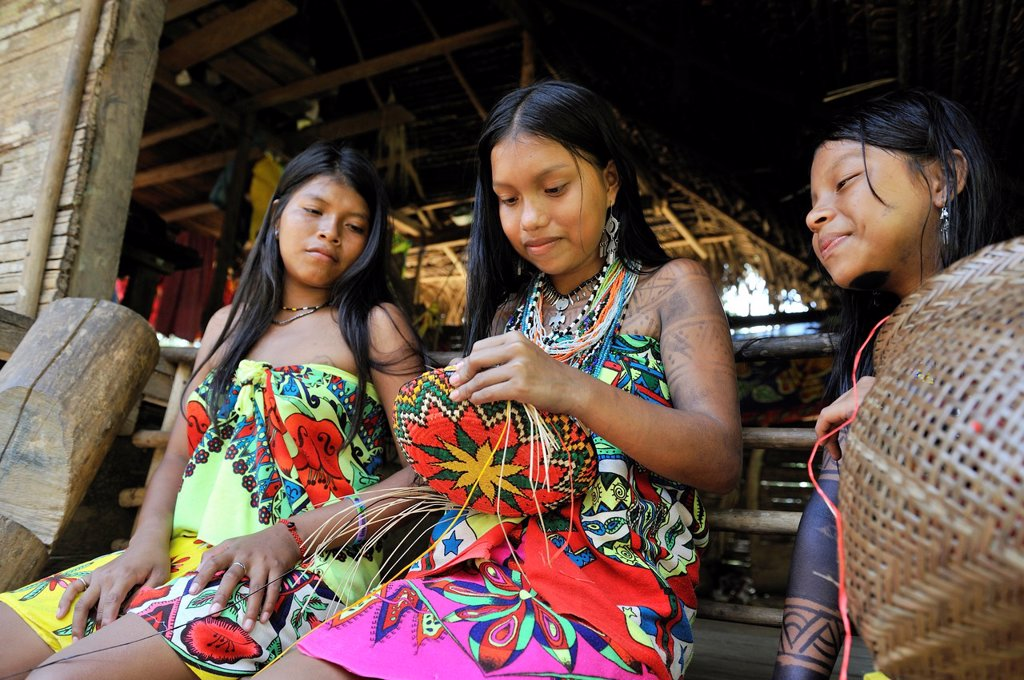 Stock Photo: 1566-1247537 Esilda and her friends making basket, young teenagers of Embera native community living by the Chagres River within the Chagres National Park, Republic of Panama, Central America