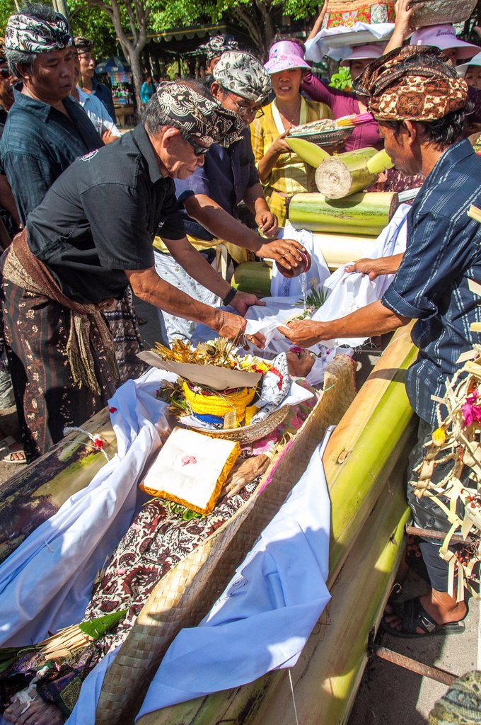 Asia, South-East Asia, Indonesia, Bali. Ritual of cremation ceremony. : Stock Photo