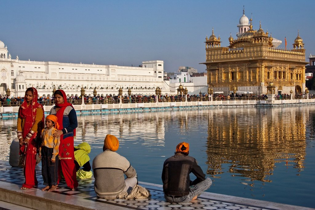 Stock Photo: 1566-1253593 Sikh Pilgrims, The Golden Temple of Amritsar,  aka The Harmandir Sahib or Hari Mandir Punjab, India