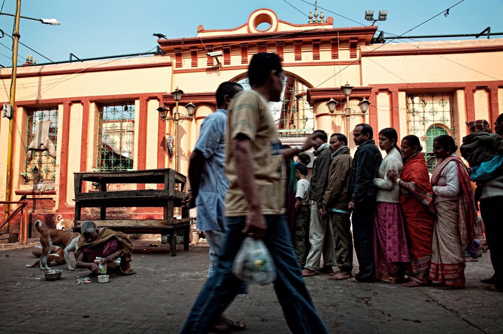 Stock Photo: 1566-1255073 People queueing for entering Kalighat temple  Calcutta, West Bengal, India