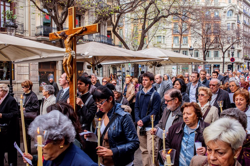Stock Photo: 1566-1258616 Representation, Way of the Cross, Good Friday, Easter week, from church of Sant Ramon de Penyafort to church of la Mare de Deu dels Angels, Rambla Catalunya, Barcelona, Catalonia, Spain