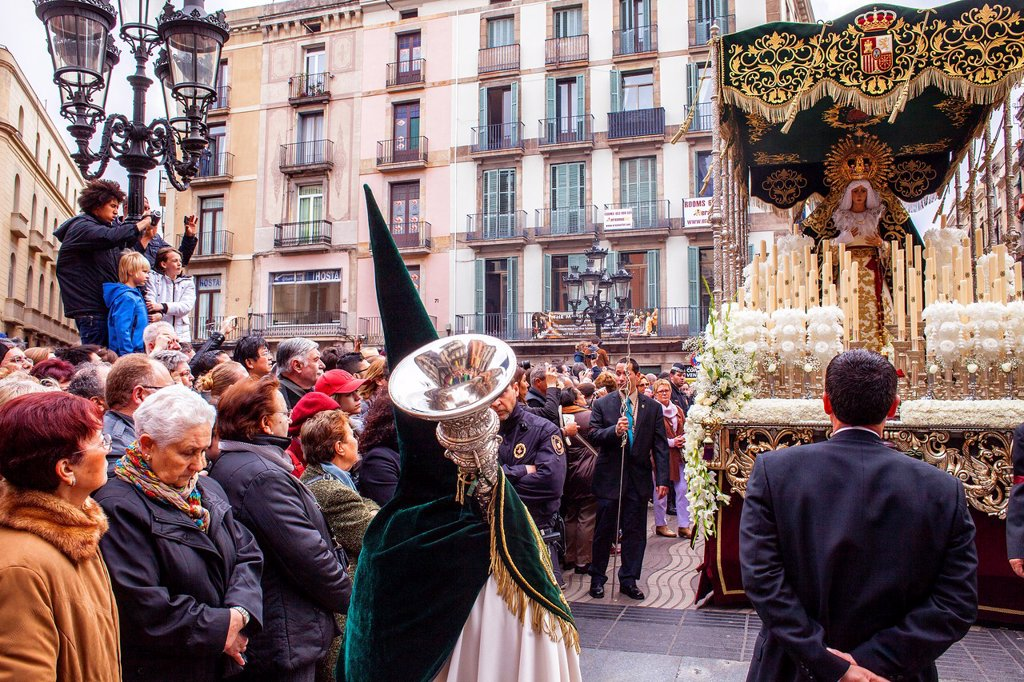 Stock Photo: 1566-1258636 procession, sisterhood of Jesus del Gran Poder y virgen de la Macarena, Statue usually in the San Agustin church, Good Friday, Easter week, La Rambla, Barcelona, Catalonia, Spain