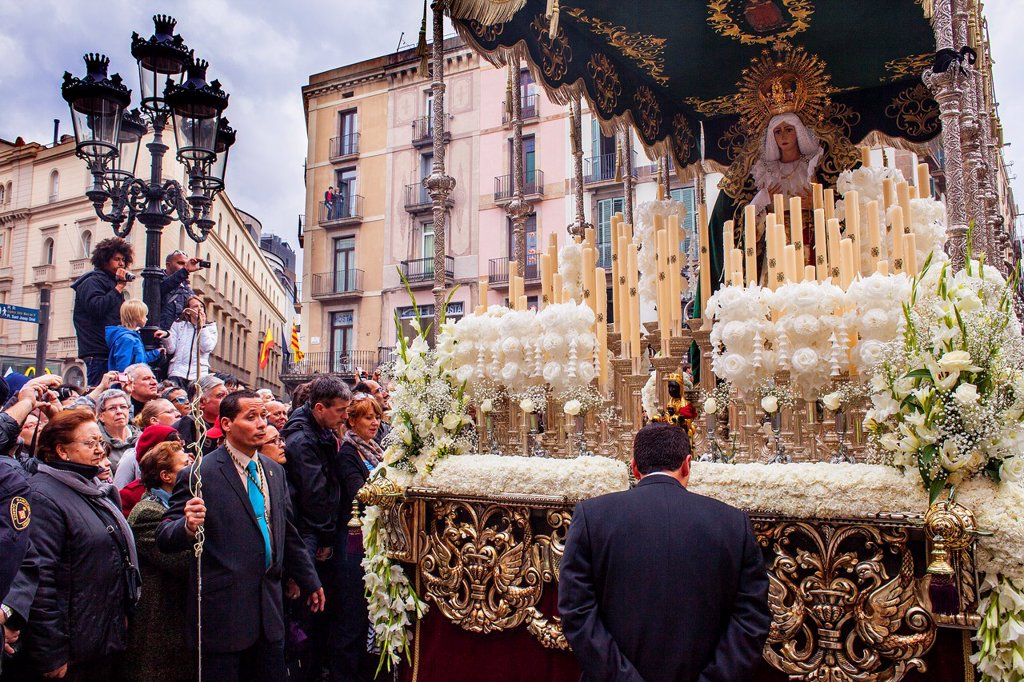 procession, sisterhood of Jesus del Gran Poder y virgen de la Macarena, Statue usually in the San Agustin church, Good Friday, Easter week, La Rambla, Barcelona, Catalonia, Spain : Stock Photo