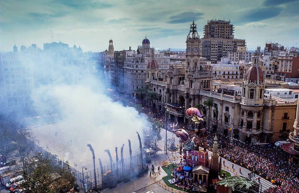 `Mascleta´ firecrackers and falla in Plaza del Ayuntamiento,Fallas festival,Valencia,Spain : Stock Photo