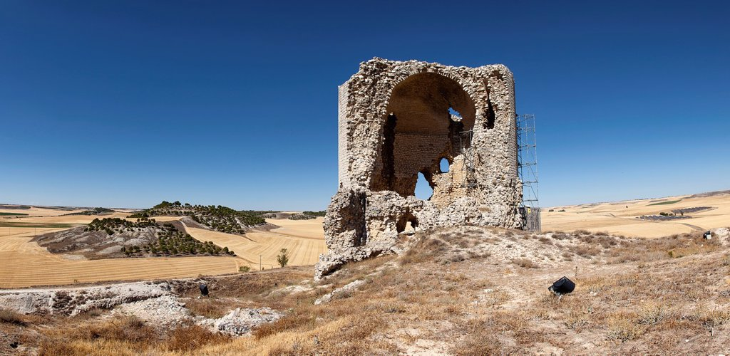 Stock Photo: 1566-1263821 Ruins of Mota del Marques, province of Valladolid, Castile and León, Spain