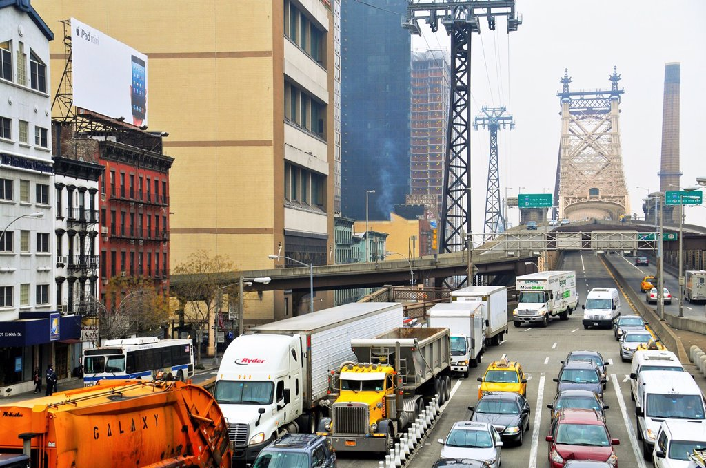 Stock Photo: 1566-1264224 Rush hour traffic on the Ed Koch Queensboro 59th Street Bridge, Midtown Manhattan, New York City, USA
