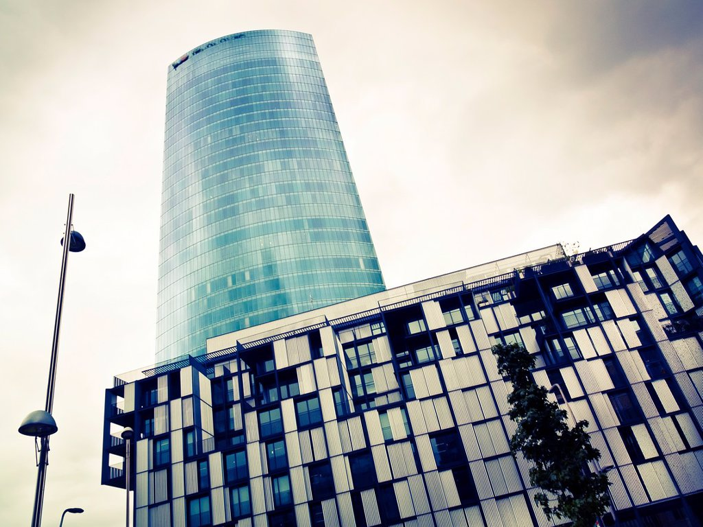 Iberdrola Tower  architect: Cesar Pelli  Bilbao, Biscay  Basque Country, Spain : Stock Photo
