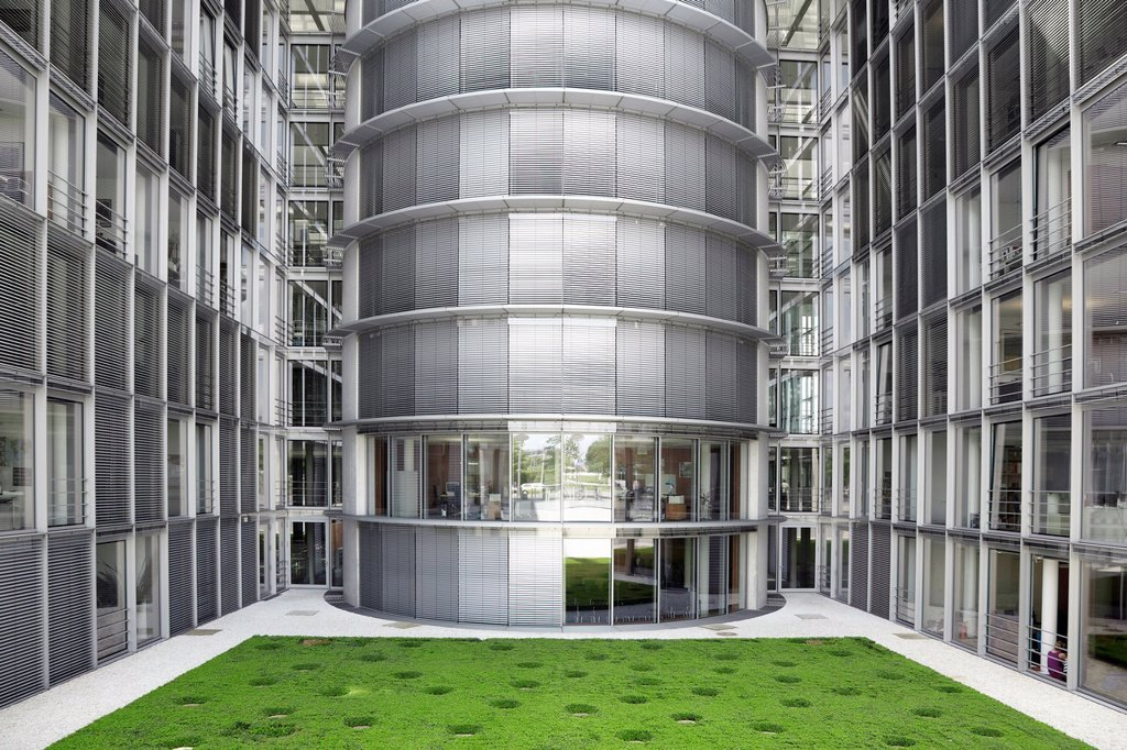 Stock Photo: 1566-1281331 Paul Loebe Haus, Berlin, modern architecure and offices in government district.
