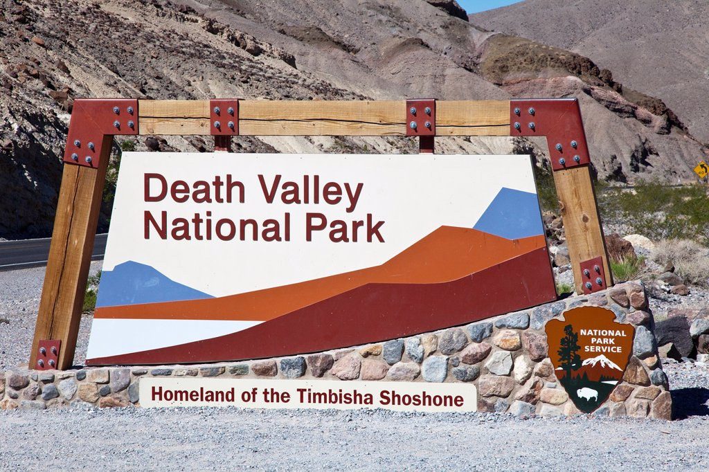 Stock Photo: 1566-1284098 Death Valley N.P. Entrance, USA.