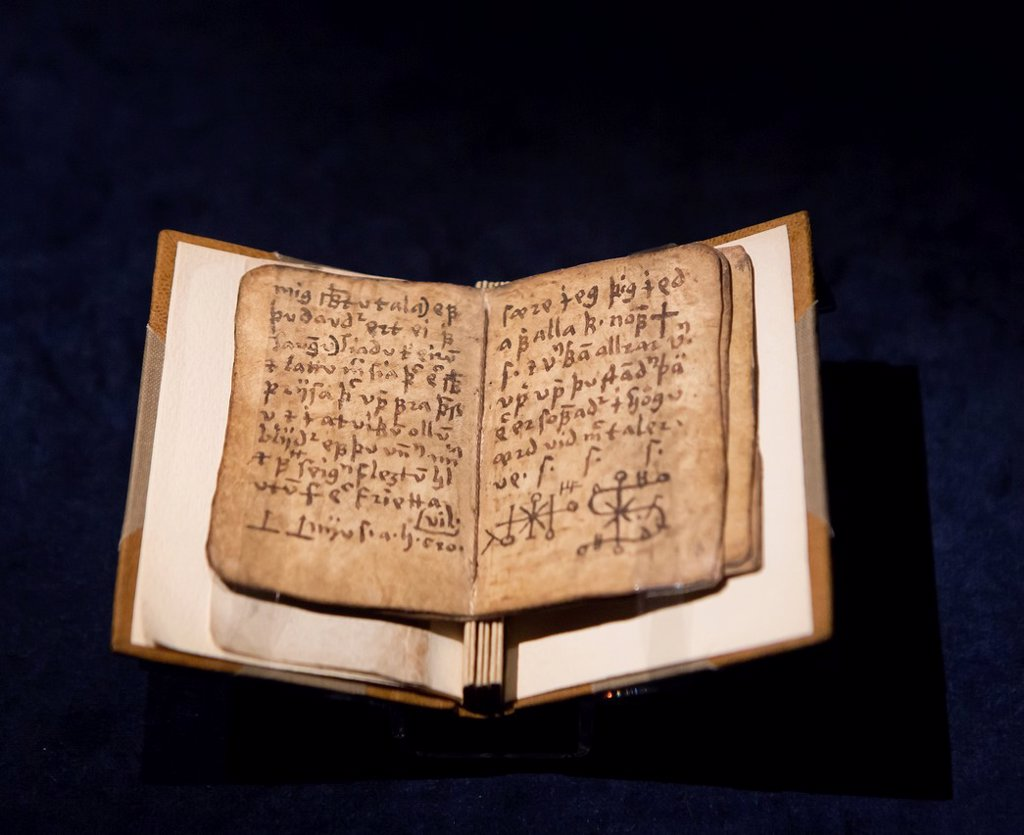 Pages of Icelandic manuscript- Galdrakver book, 1670. : Stock Photo