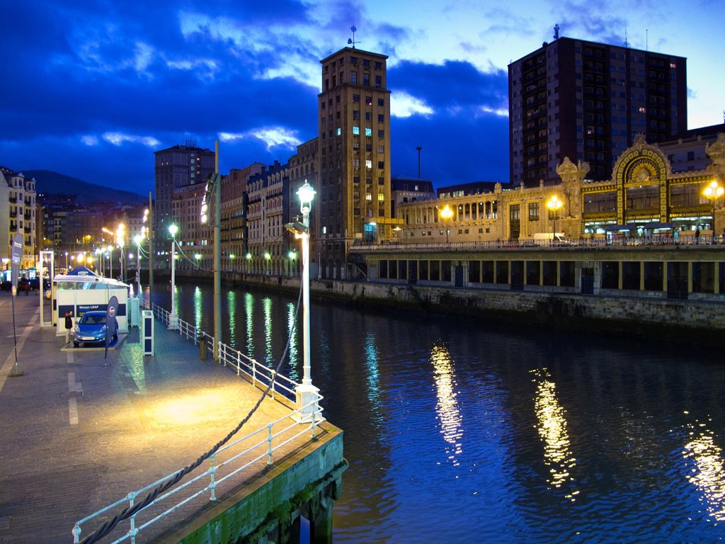 Stock Photo: 1566-1301024 Ria de Bilbao from the Arenal Bridge. Bilbao. Vizcaya. Spain. Europe.