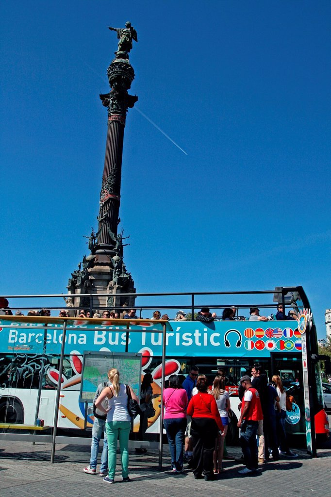 tourist bus, Colon Monument, Barcelona, Catalonia, Spain : Stock Photo