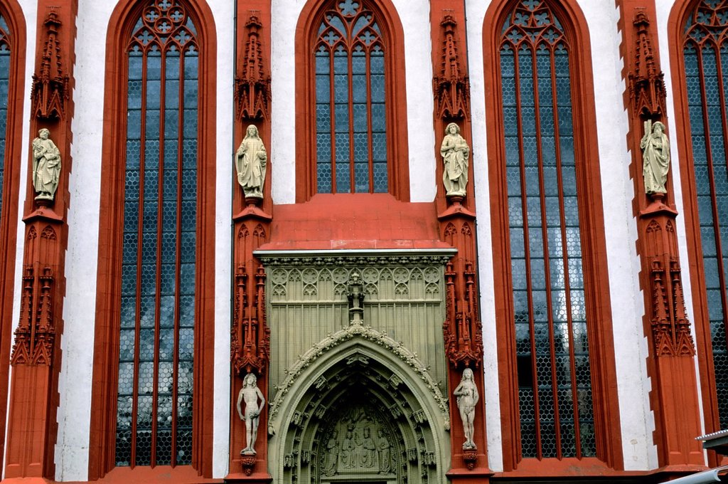Stock Photo: 1566-1352093 GERMANY, WURZBURG, OLD TOWN, ST. MARY'S CHAPEL, DETAIL, ADAM AND EVE STATUES.