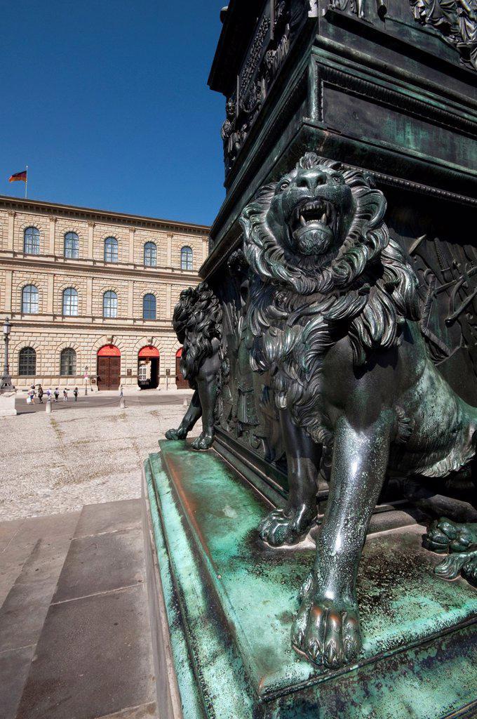 Stock Photo: 1566-1375373 Germany, Bavaria, Munich, Max Joseph Platz Square, Residenz Royal Palace and Museum.