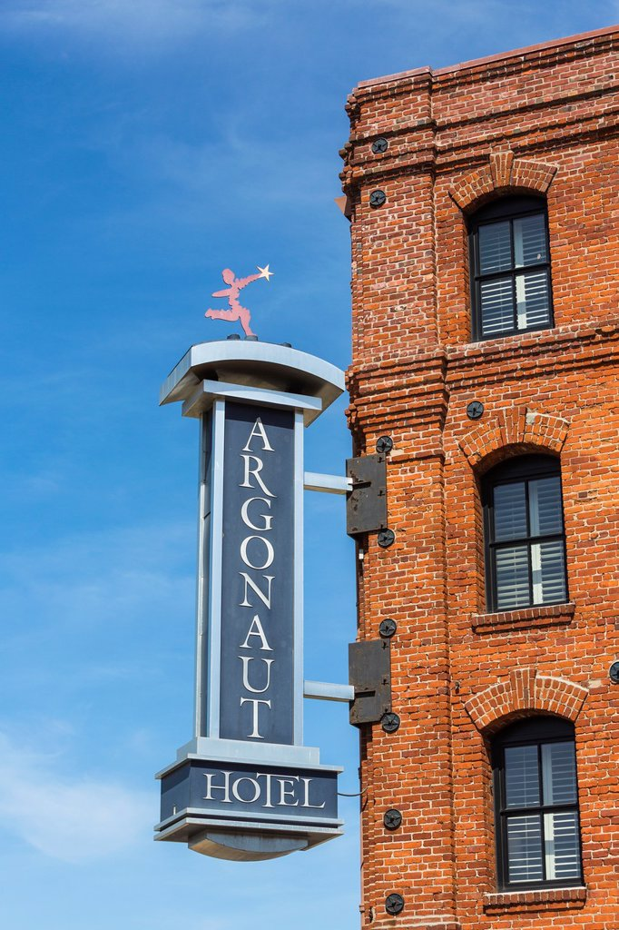 Stock Photo: 1566-1377162 Sign of the Argonaut Hotel in San Francisco, California, USA