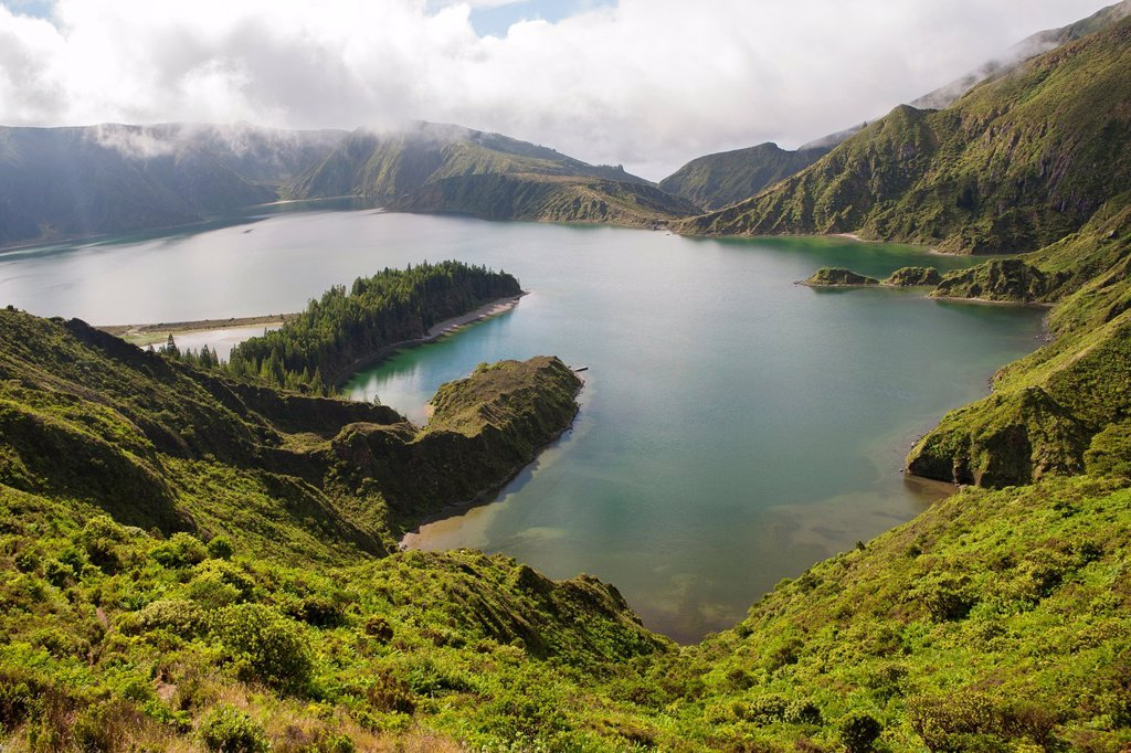 Stock Photo: 1566-1414292 Lagoa do Fogo (Fire Lake), Sao Miguel Island, Azores, Portugal