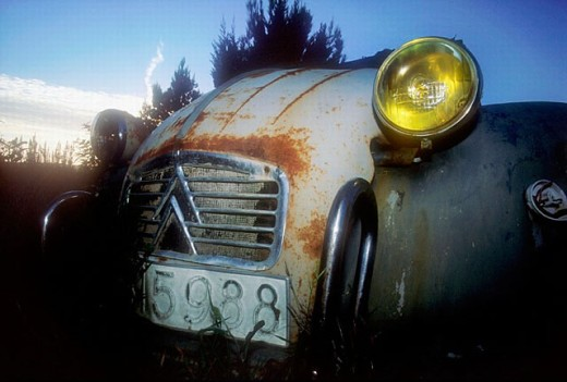 Stock Photo: 1566-250893 Old Citroën 2CV