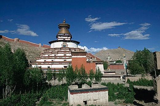 Kumbum stupa of the Pelkor Chode monastery, Gyantse. Tibet : Stock Photo