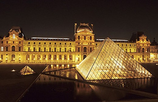 Stock Photo: 1566-252427 The Louvre, Napoleon court and Glass Pyramid built by IM Pei. Paris. France.