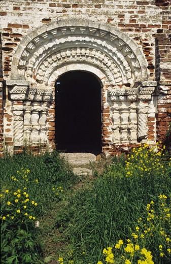 Stock Photo: 1566-252990 Portal of church of the Resurrection, 17 century, Dubenskoye, Nizhny Novgorod region, Russia