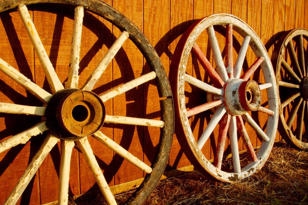 Stock Photo: 1566-254362 Wagon wheels, Tongue River Ranch, Guthrie, Texas, USA