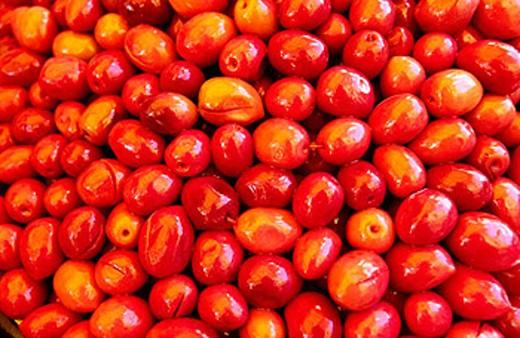 Stock Photo: 1566-254904 Olives. Fes Souk (Fes el-Bali). Morocco.