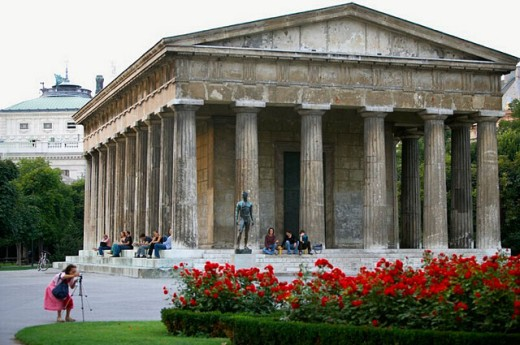 Stock Photo: 1566-264440 Templo de Theseus, Volksgarten. Vienna, Austria.