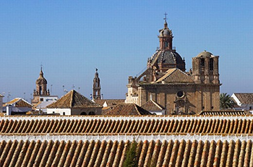 Stock Photo: 1566-265409 Carmona (from left to right): St. Bartholomew´s church (15th century), St. Peter´s church (15th century) and Baroque church of the Saviour (17th century). Sevilla province, Andalusia, Spain
