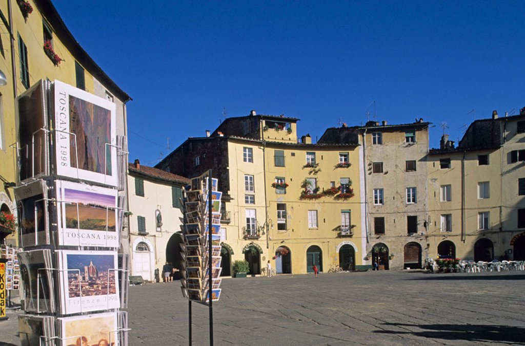 Stock Photo: 1566-267351 Amphitheatre Square in old town, Lucca. Tuscany, Italy